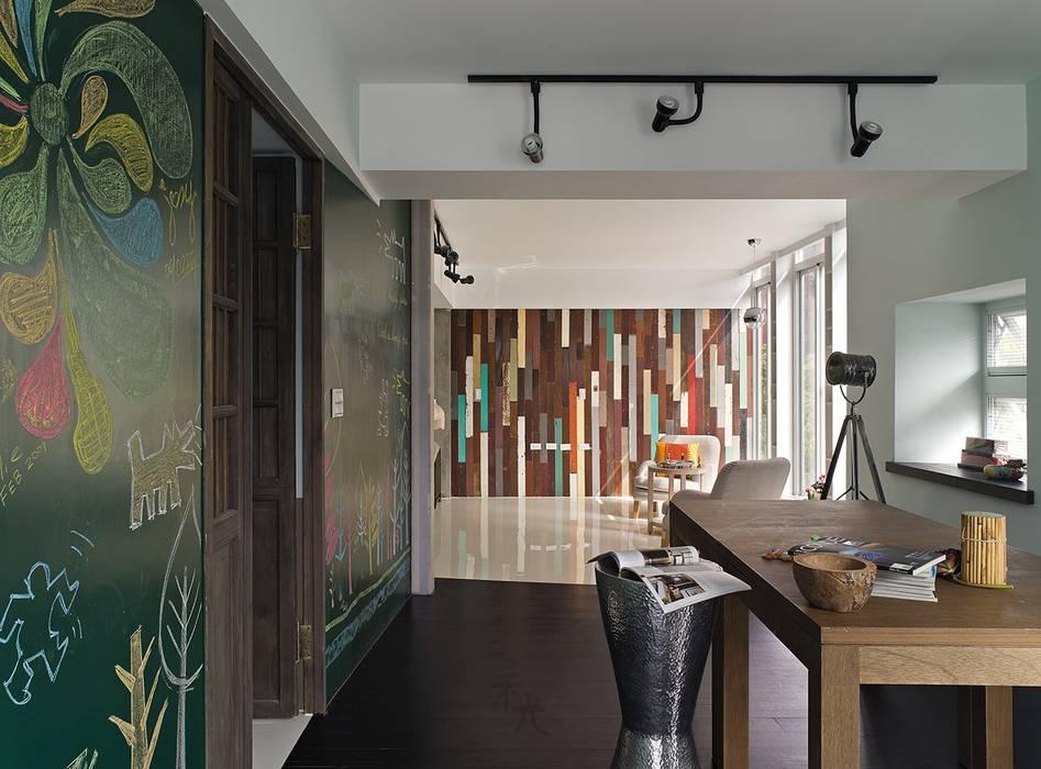 Ruang Kerja oleh 禾光室內裝修設計 ─ Her Guang Design, Asia