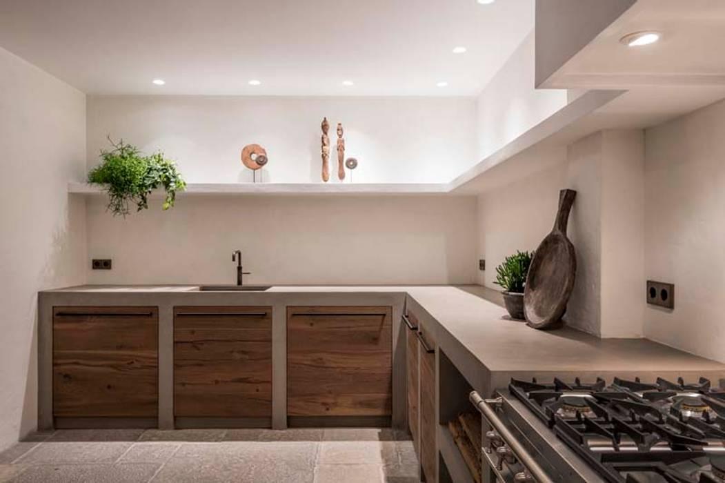 Bohemian Keuken showroom:  Keuken door Molitli Interieurmakers,