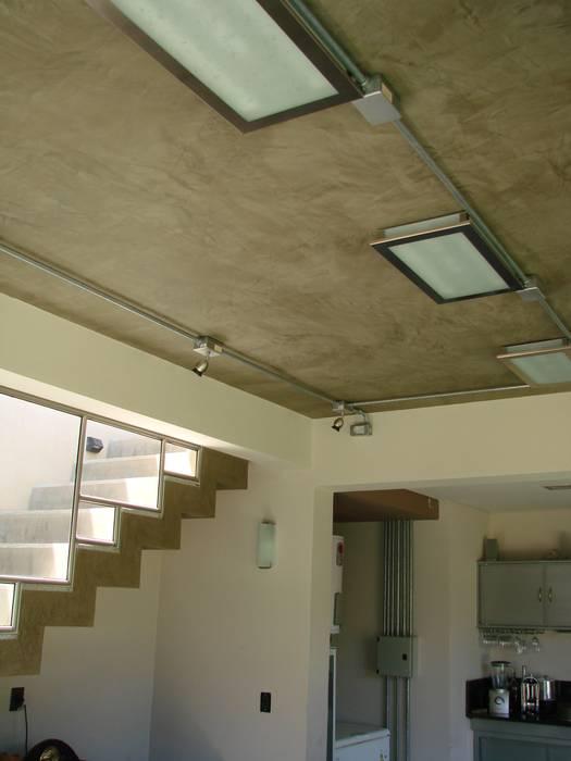Tetto in stile  di Módulo 3 arquitectura, Moderno