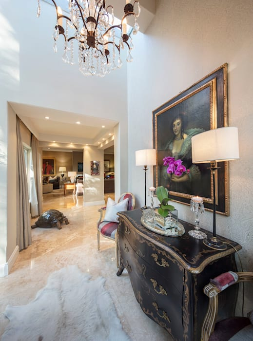 The Majestic Foyer:  Corridor & hallway by Spegash Interiors,