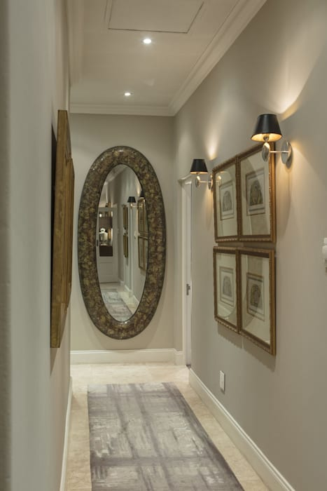 House Parkwood:  Corridor & hallway by Spegash Interiors