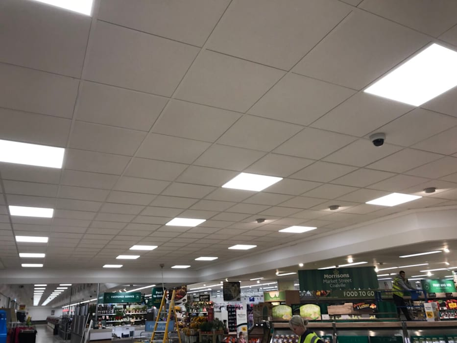 Morrisons Coalville:  Prefabricated home by VM Interiors and Drywall Solutions LTD, Classic