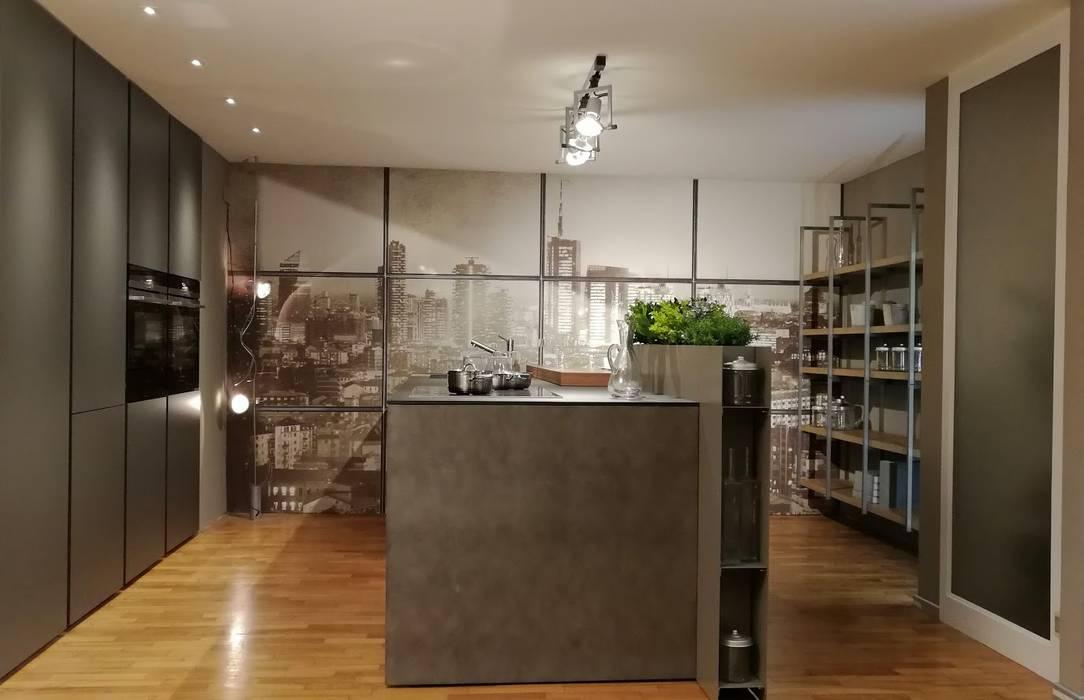 Cucina e Soggiorno Stile Industrial: Cucina in stile  di Formarredo Due design 1967