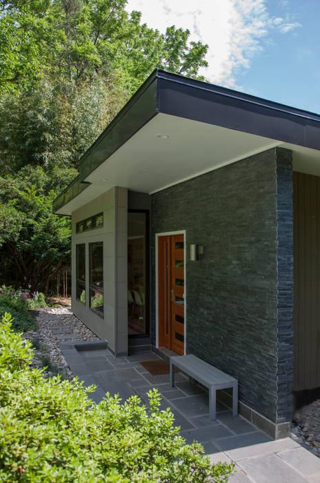 Casas modernas por RT Studio, LLC Moderno