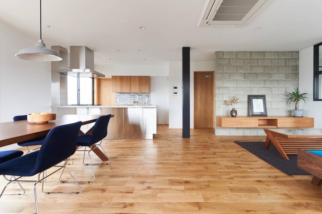階段から集う家: ELD INTERIOR PRODUCTSが手掛けたキッチンです。,オリジナル