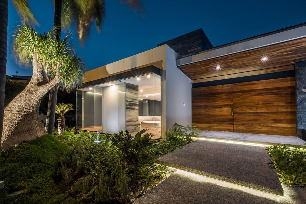Casa OB: Casas de estilo  por 2M Arquitectura,