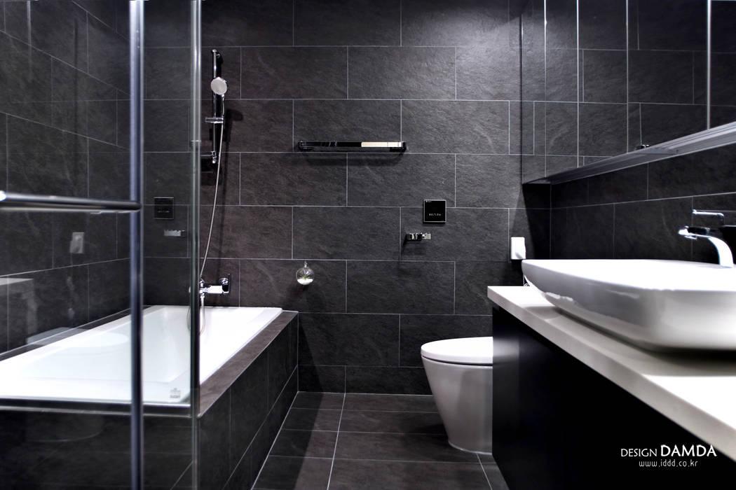Salle de bain moderne par 디자인담다 Moderne