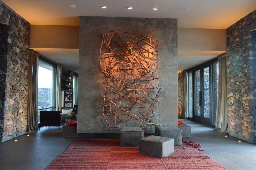 The Vines Resort & Spa | Main Building: Hoteles de estilo  por Bórmida & Yanzón arquitectos,Moderno