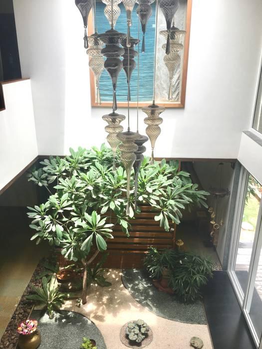 VILLA 46, EKTHA PRIME-GACHIBOWLI, HYDERABAD:  Garden  by Crafted Spaces
