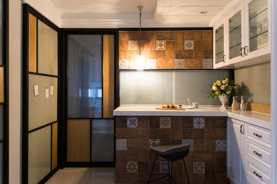 幸福:  餐廳 by 松泰室內裝修設計工程有限公司,