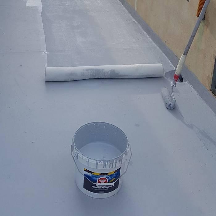 Étanchéifier facilement un toit plat: Toiture de style  par Maison Étanche, Classique
