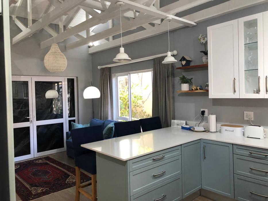 Modern kitchen by CS DESIGN Modern