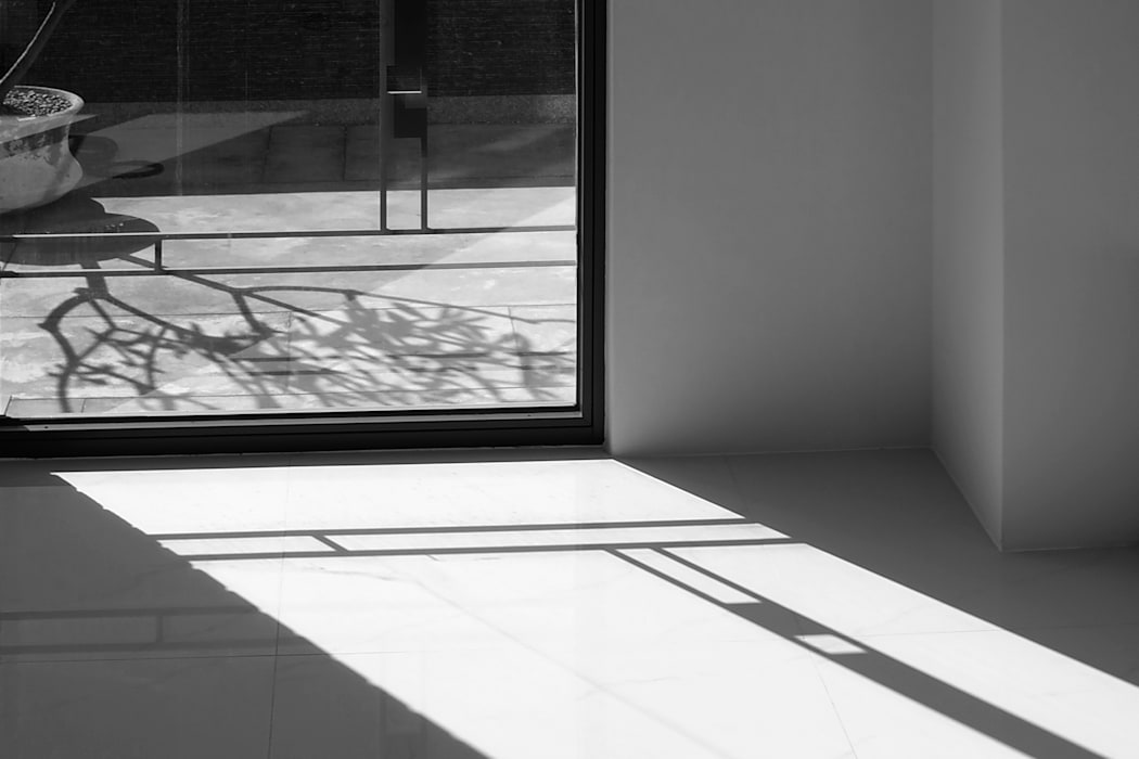 Minimalist windows & doors by 黃耀德建築師事務所 Adermark Design Studio Minimalist