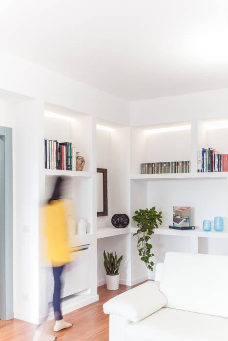 L'ingresso: Ingresso & Corridoio in stile  di Stefano Ferrando