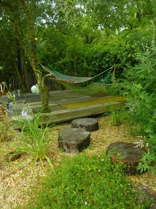 Repos au jardin: Jardin de style  par JARDIN GECKO