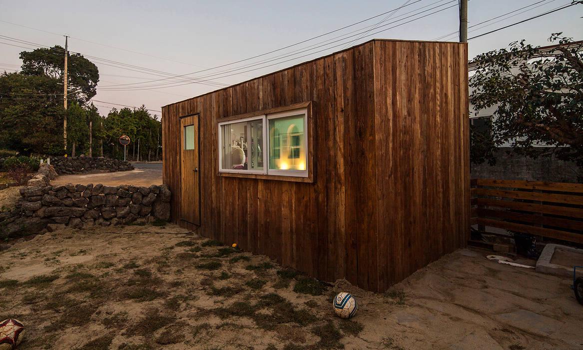 Minimalist house by 더 이레츠 건축가 그룹 Minimalist