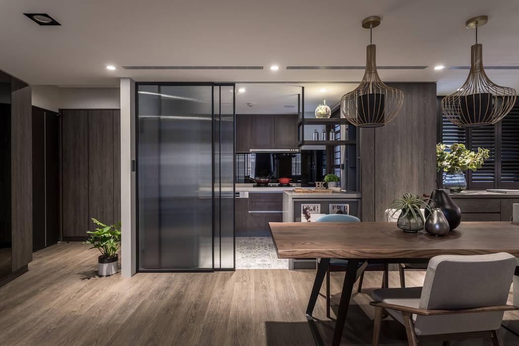原木質感 英式色調 人文氣韻現代宅 合觀設計 現代廚房設計點子、靈感&圖片