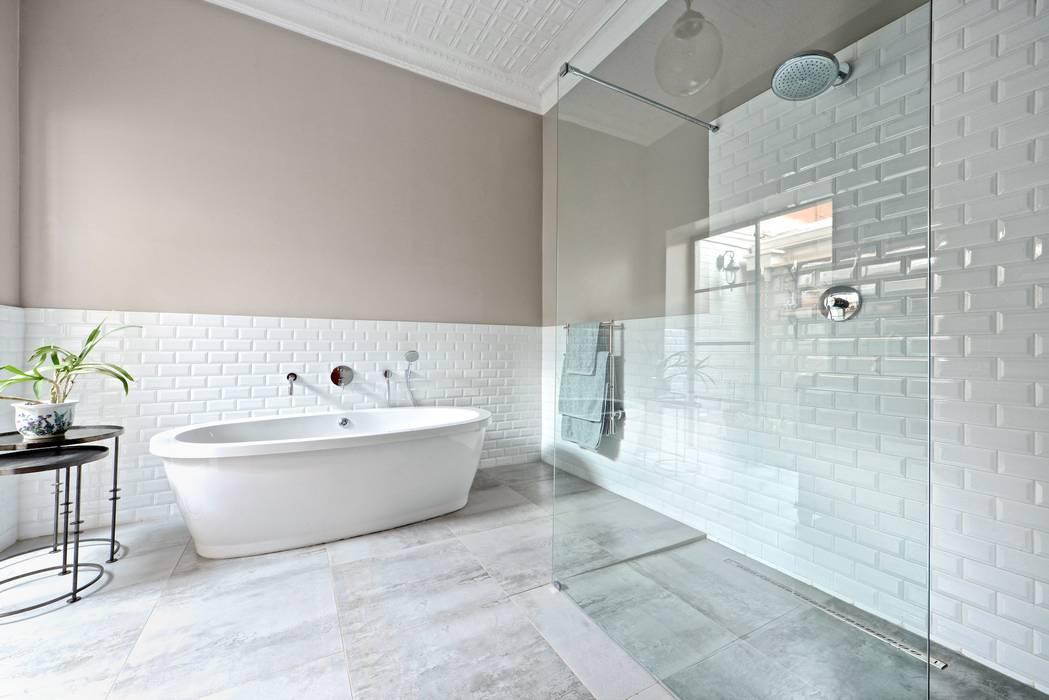 Open shower concept Kamar Mandi Gaya Eklektik Oleh Oksijen Eklektik