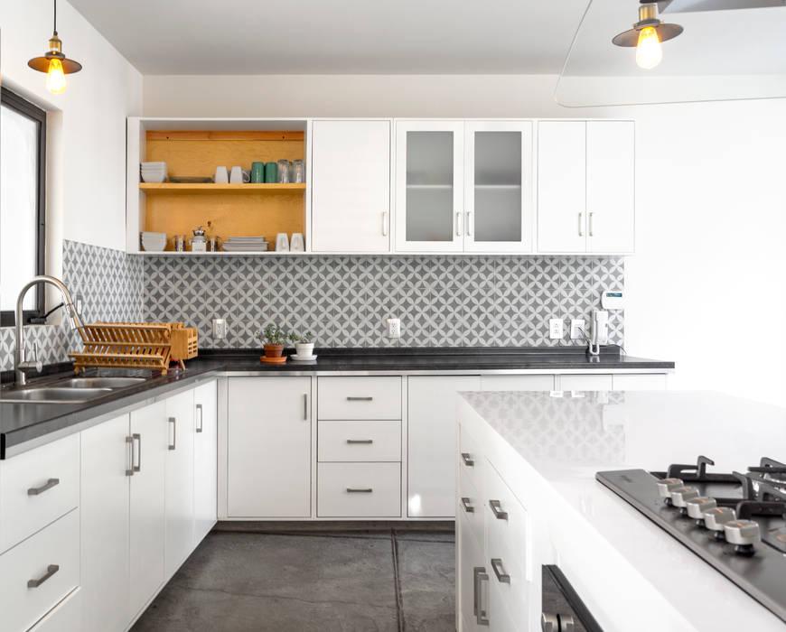 Cuisine moderne par CUBO ROJO Arquitectura Moderne