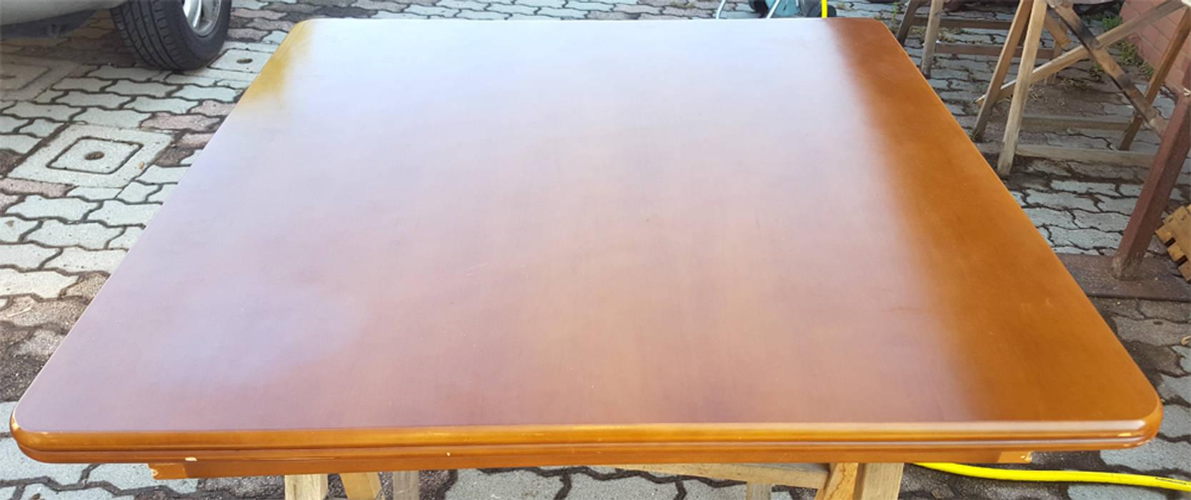 Versione originale del tavolo da pranzo: Sala da pranzo in stile in stile Classico di Dilegno InLegno