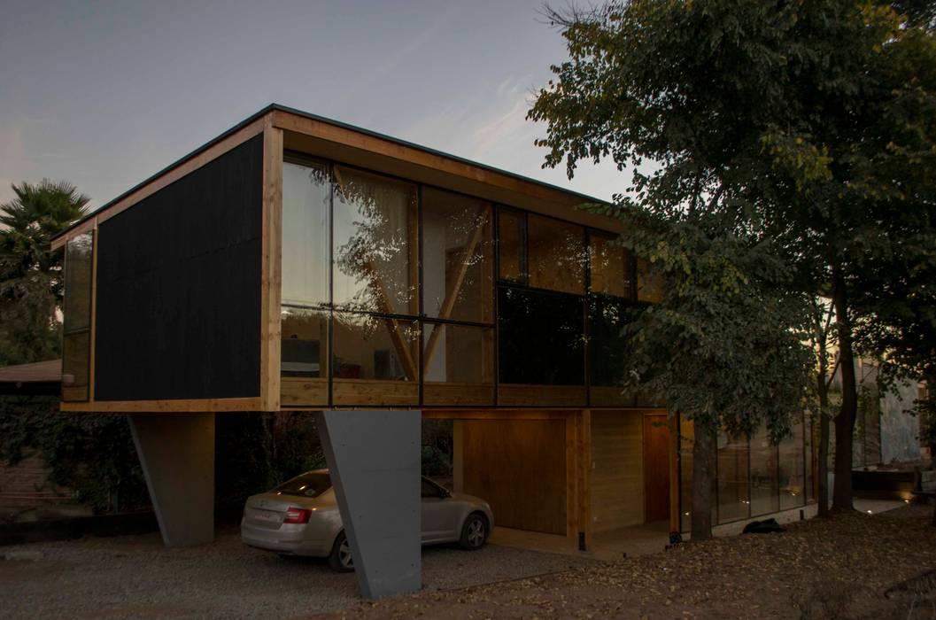 Estacionamiento Casas estilo moderno: ideas, arquitectura e imágenes de PhilippeGameArquitectos Moderno Concreto reforzado