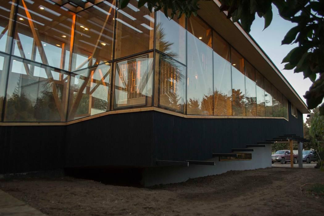Esquina rampa: Casas de estilo  por PhilippeGameArquitectos