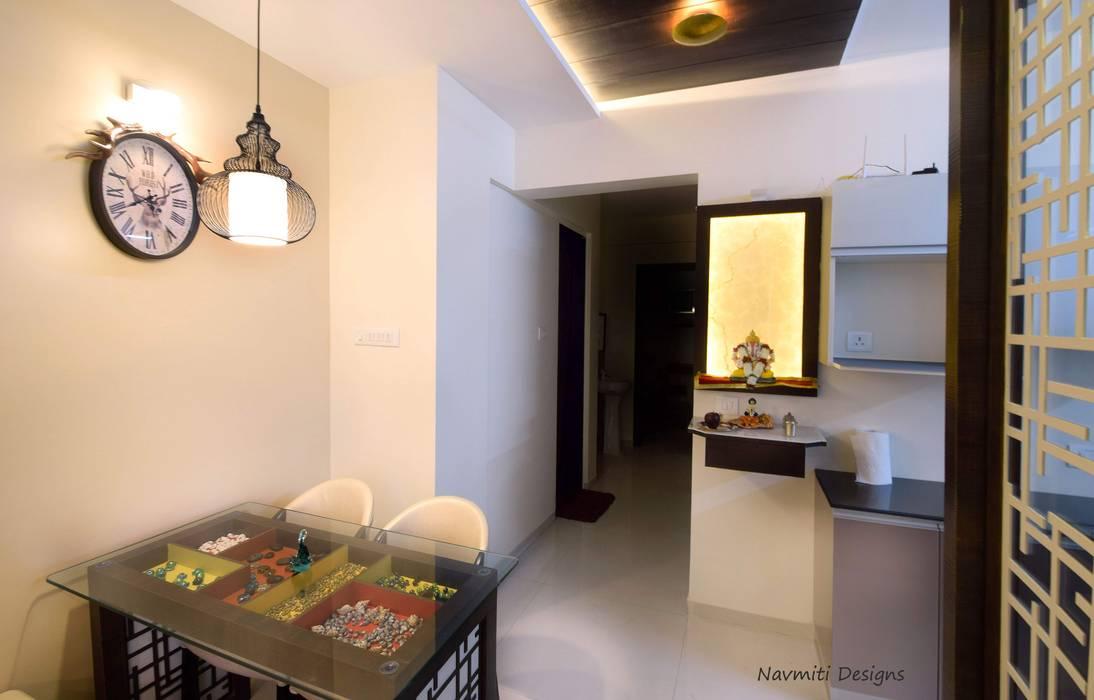 Koridor & Tangga Modern Oleh Navmiti Designs Modern Kuarsa
