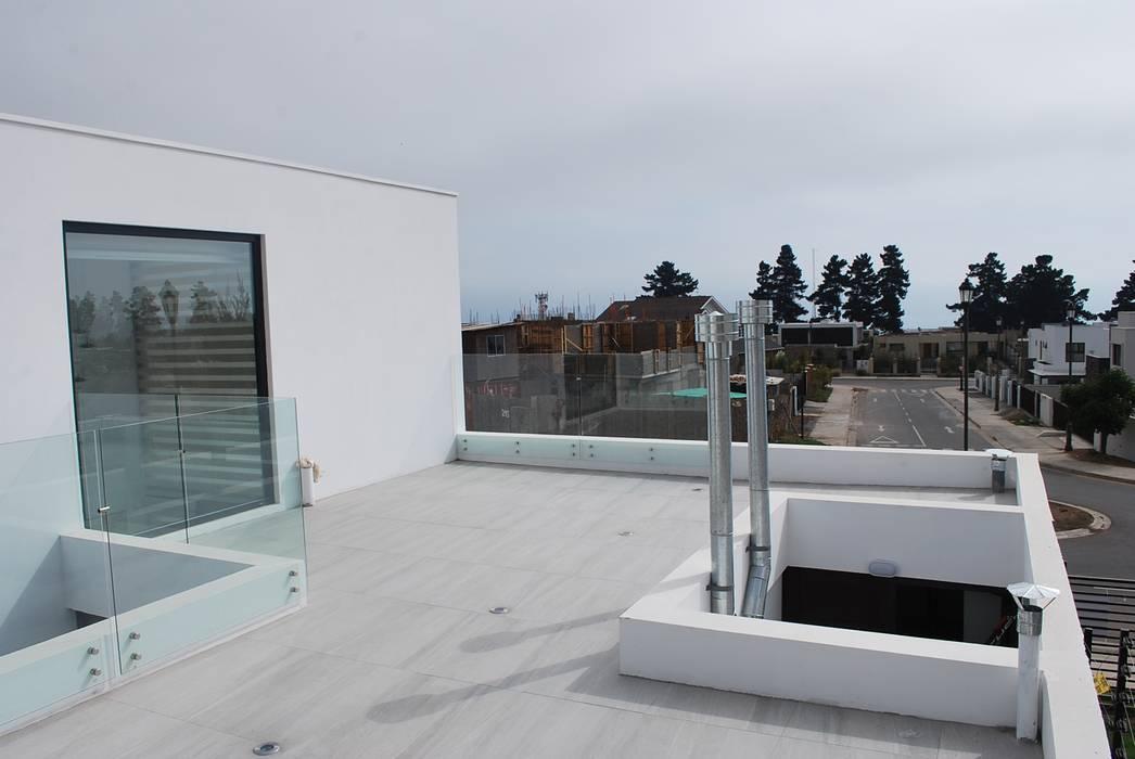 : Terrazas  de estilo  por DARQ studio,