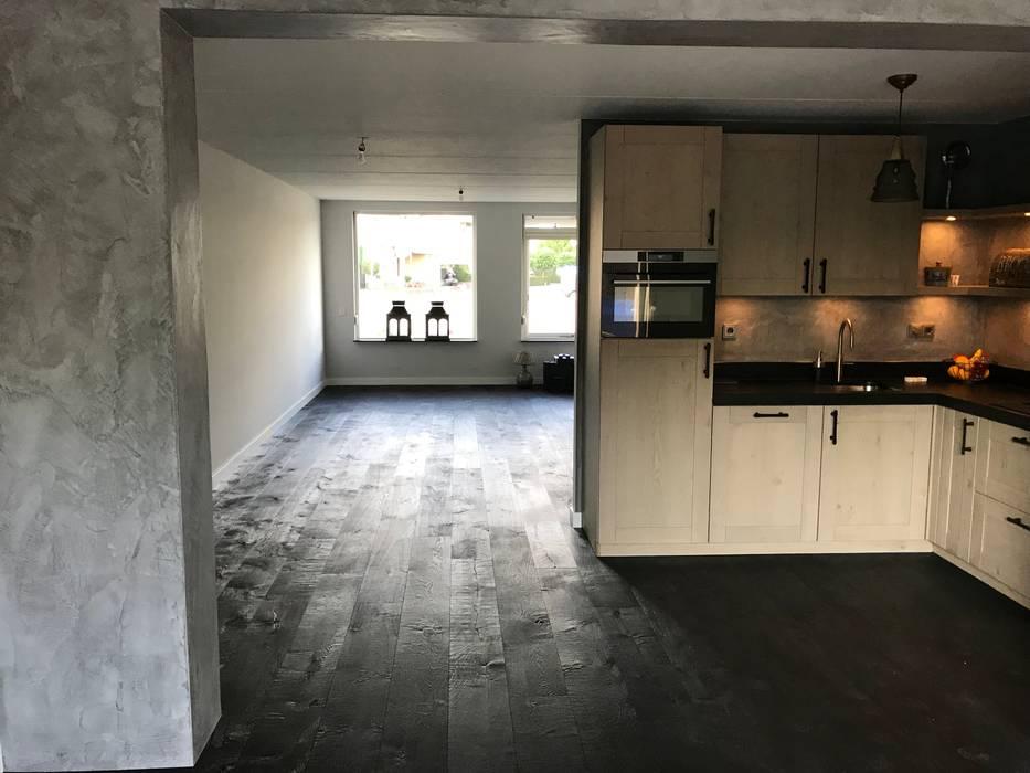 Interieur Woonkamer Eiken : Eiken u black mountain woonkamer door ardee parket interieur