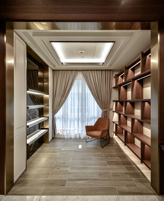 LUXURIOUS HOME:  Study/office by inDfinity Design (M) SDN BHD, Modern