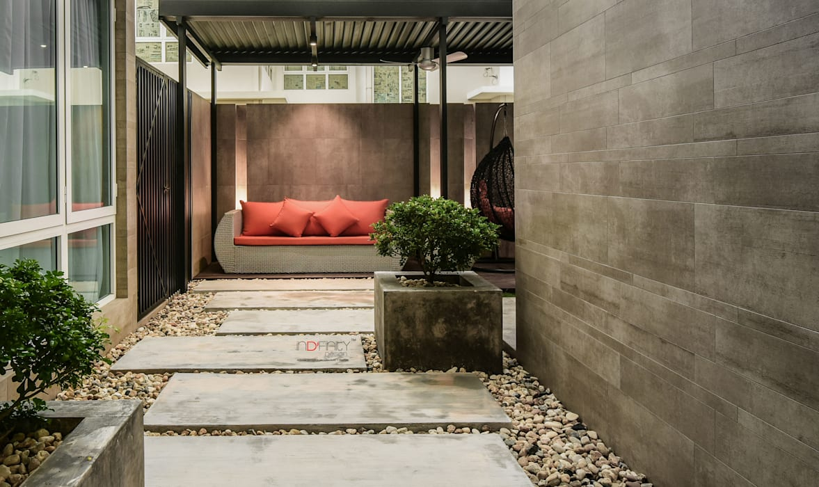 LUXURIOUS HOME:  Rock Garden by inDfinity Design (M) SDN BHD, Modern