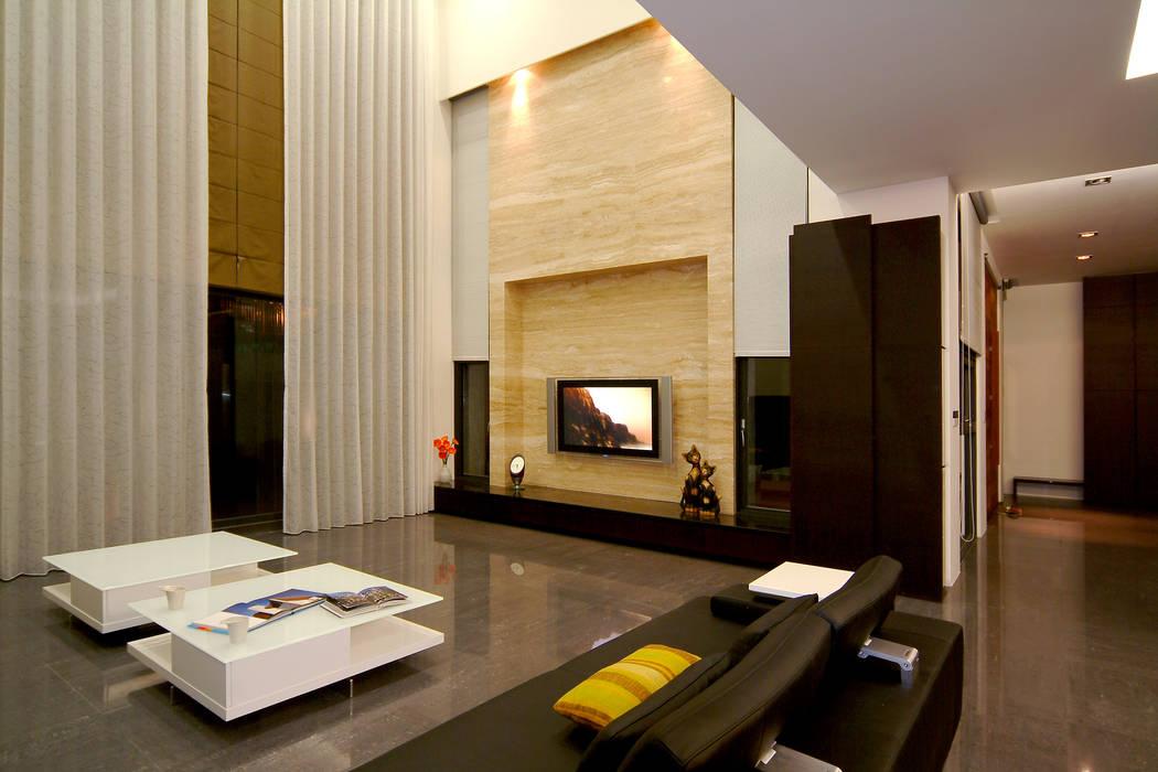 室內設計 東英 CY House:  客廳 by 黃耀德建築師事務所  Adermark Design Studio