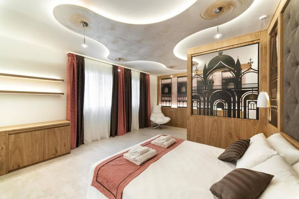 Progettazione IDEA DESIGN: Camera da letto in stile in stile Moderno di Idea Design Factory