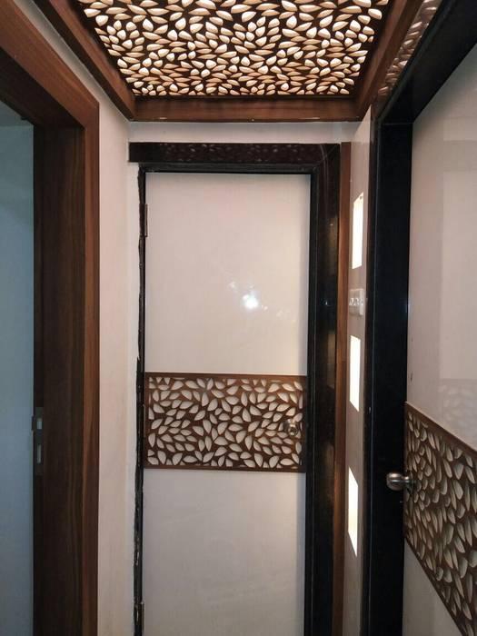 Puertas de entrada de estilo  por MADE AFTER DESIGN LLP