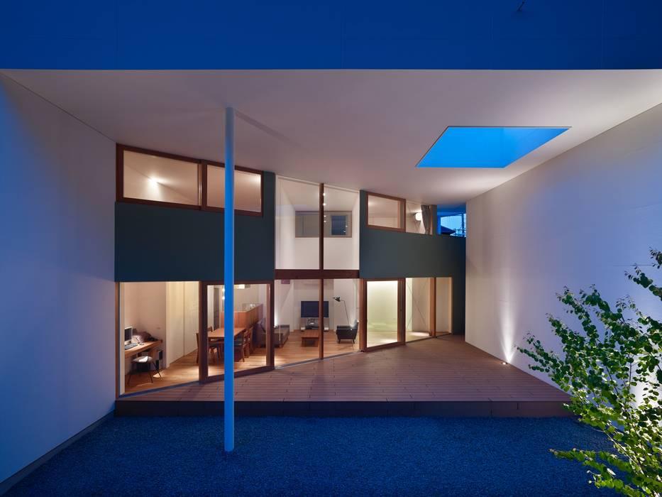 Oleh 藤原・室 建築設計事務所 Modern Kayu Wood effect