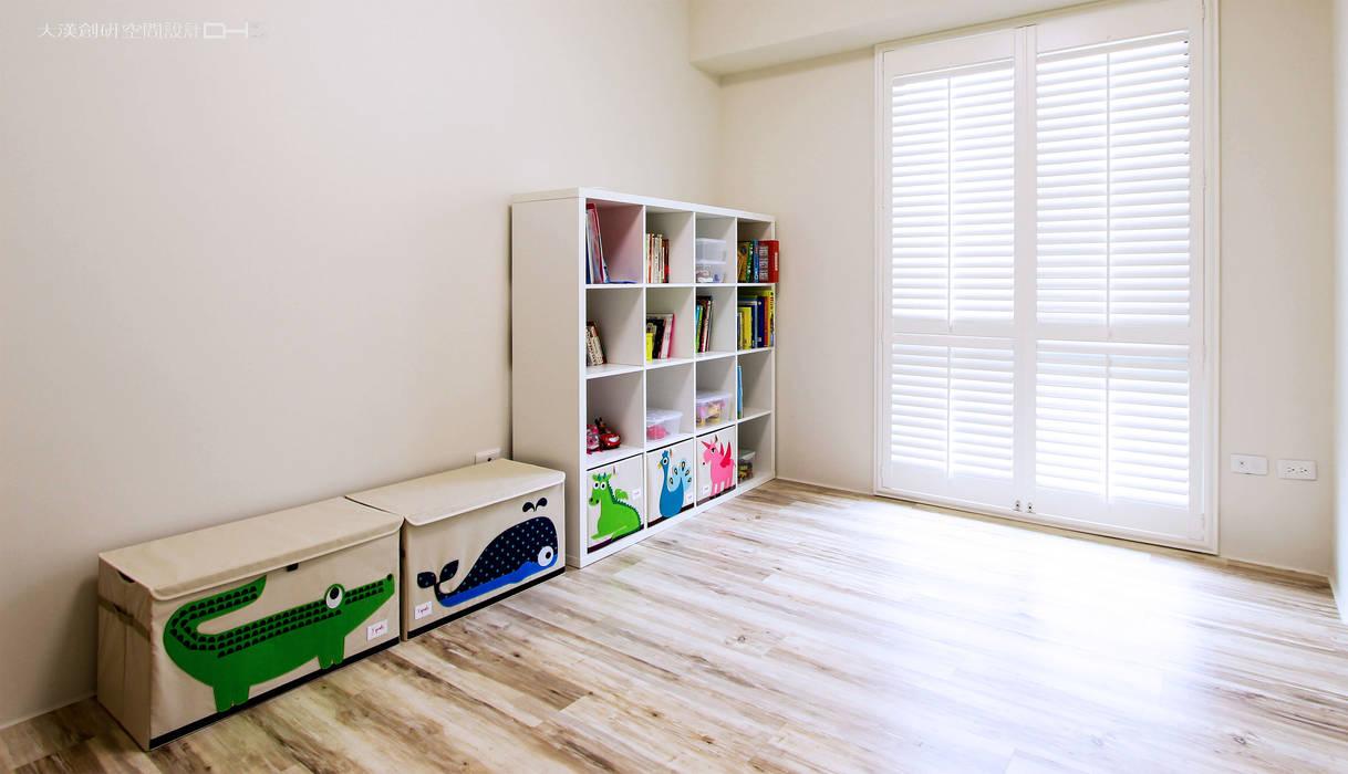 توسط 大漢創研室內裝修設計有限公司 کانتری کامپوزیت چوب و پلاستیک