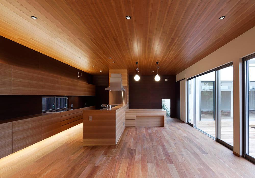 丹羽郡K邸: 空間工房 用舎行蔵 一級建築士事務所が手掛けたキッチンです。