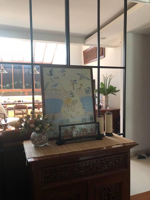 wohnzimmer von sae studio pt shiva ardhyanesha estetika