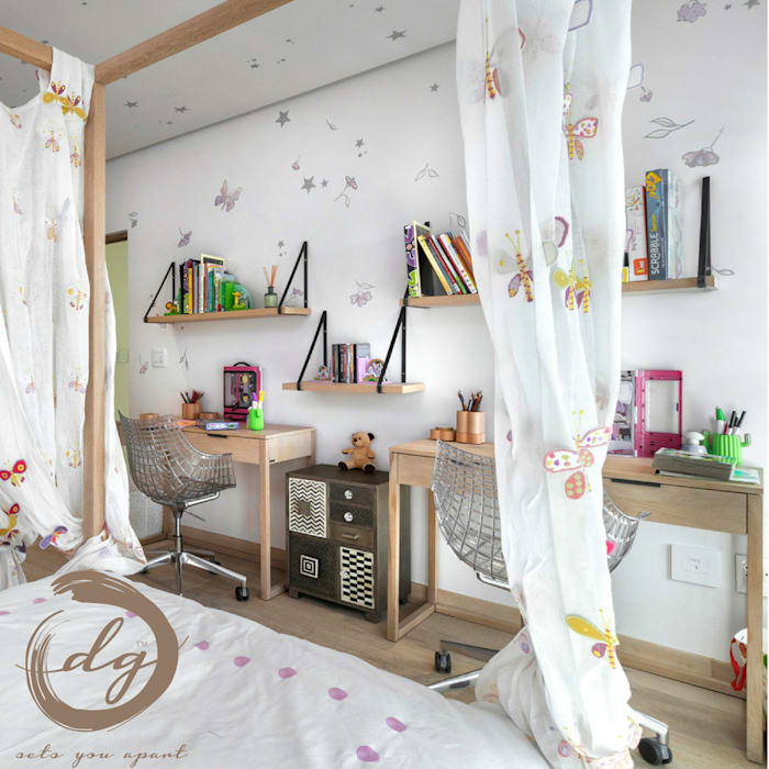 Colonial style nursery/kids room by Deborah Garth Interior Design International (Pty)Ltd Colonial Wood Wood effect