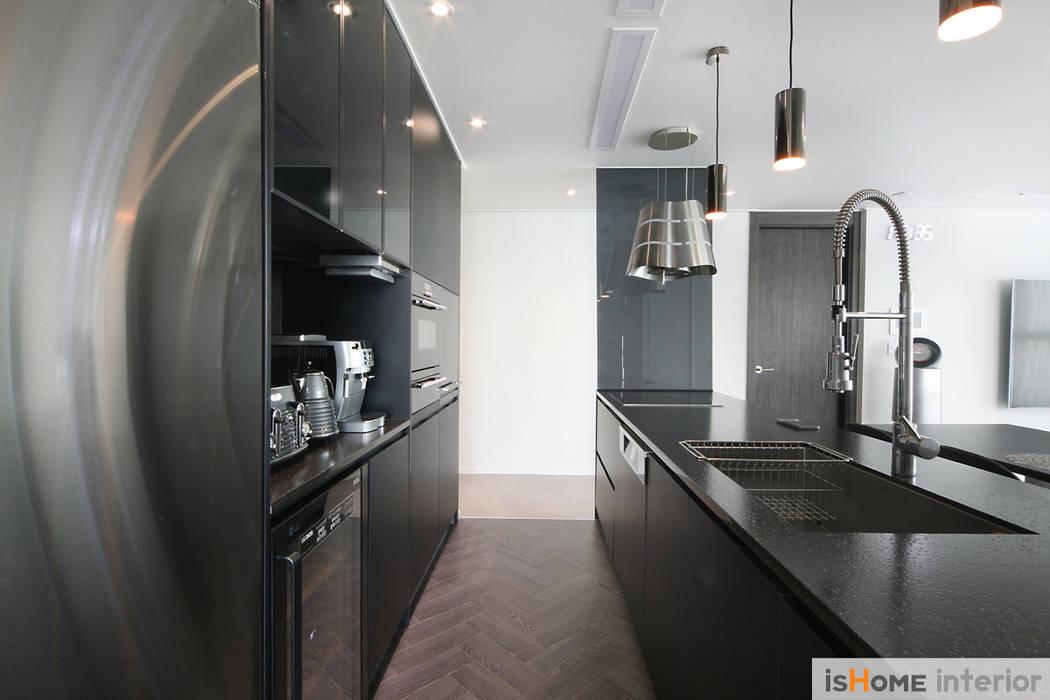 이즈홈 Modern kitchen
