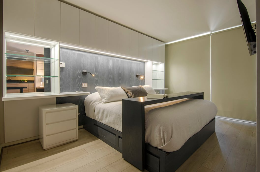 Departamento Las Trinitarias: Dormitorios de estilo  por Klover, Moderno