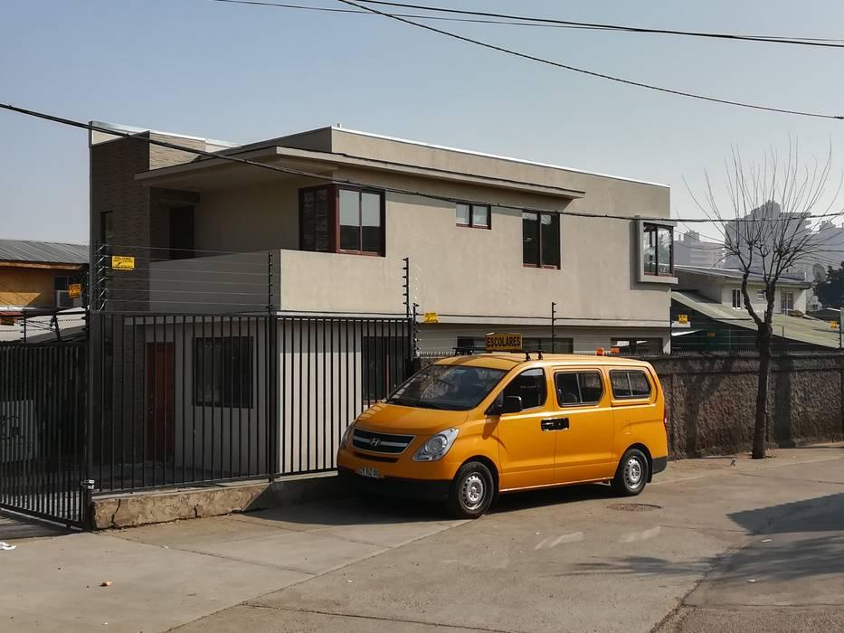 Exterior: Casas unifamiliares de estilo  por MSGARQ