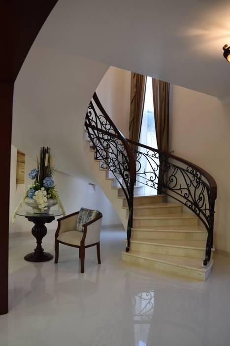 Escaleras de estilo  por arketipo-taller de arquitectura