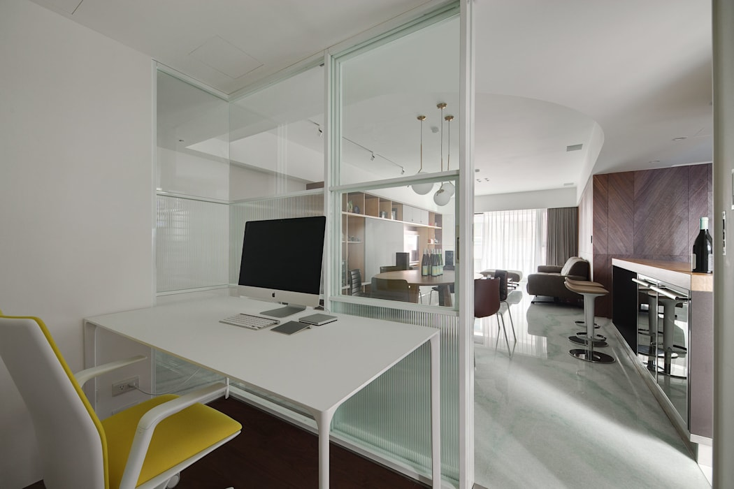 Minimalst style study/office by 直方設計有限公司 Minimalist Metal