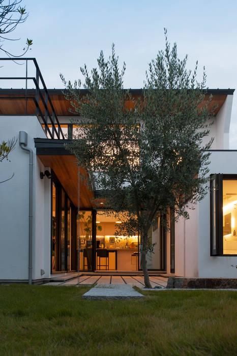 Modern houses by yuukistyle 友紀建築工房 Modern