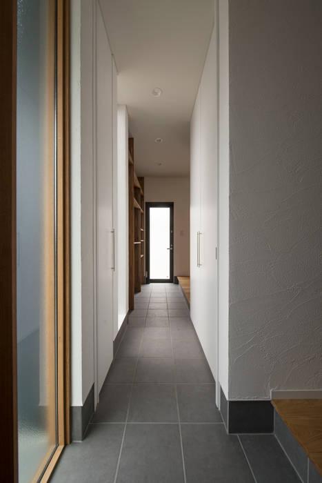 TWO BOX: yuukistyle 友紀建築工房が手掛けた廊下 & 玄関です。