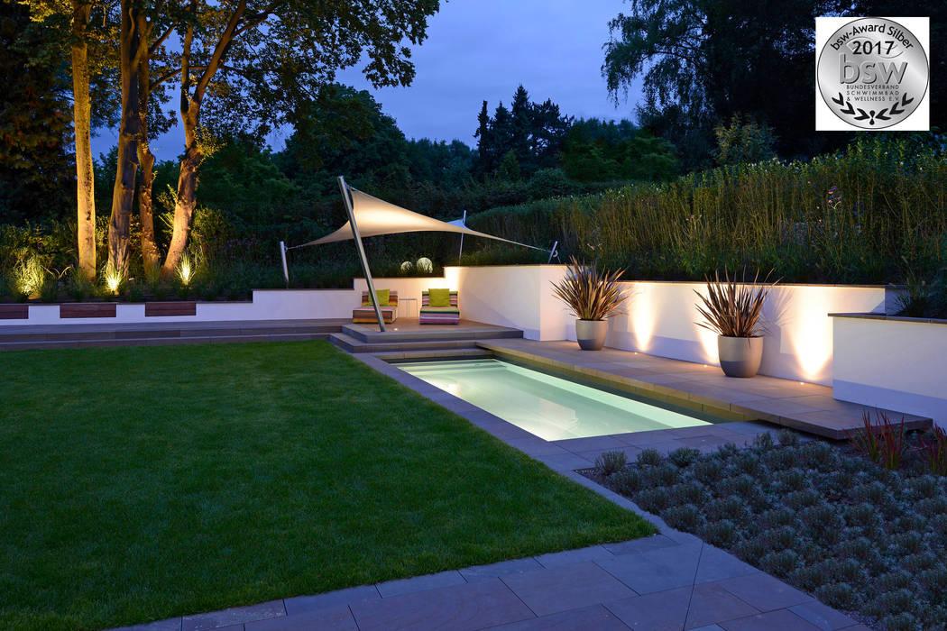 Badelounge am Abend:  Garten von Terramanus Landschaftsarchitektur
