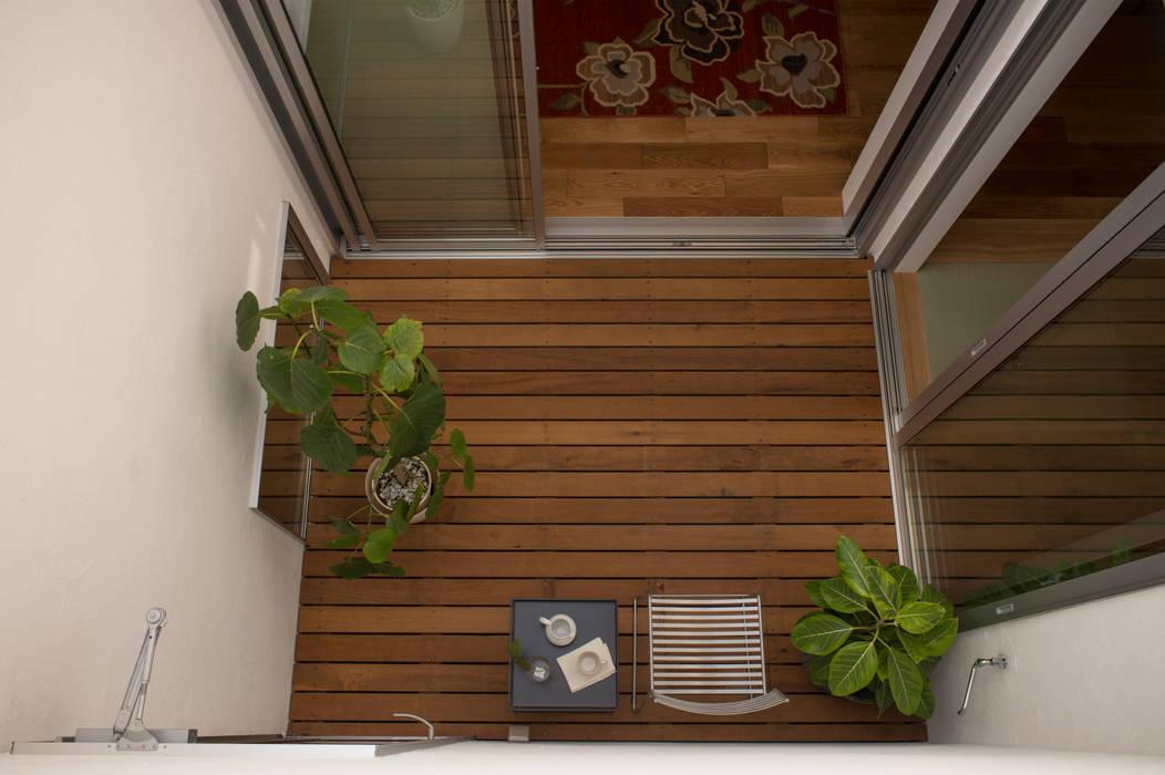 INTELLECTUAL モダンデザインの テラス の yuukistyle 友紀建築工房 モダン