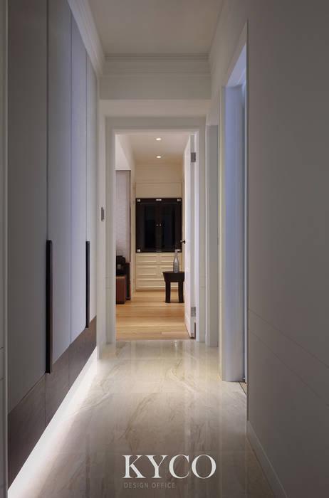 Modern Corridor, Hallway and Staircase by 芮晟設計事務所 Modern