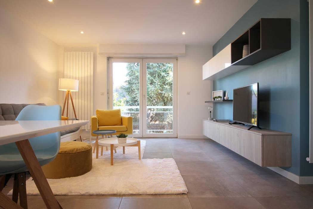 ห้องนั่งเล่น โดย Agence ADI-HOME, สแกนดิเนเวียน ไม้ Wood effect